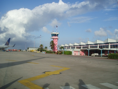 Flamingo Airport